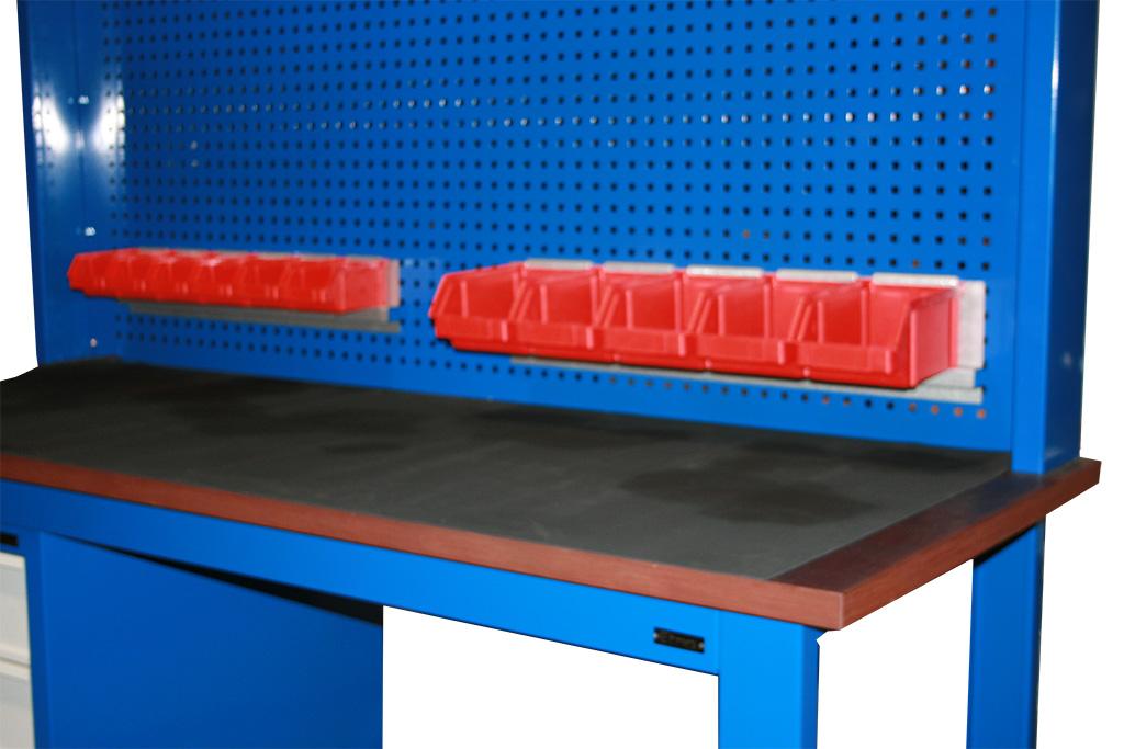 S/W/73 – stół warsztatowy z nadstawką oświetleniową z szafką 4-s